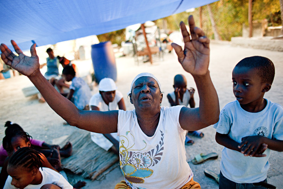 Worship for earthquake survivors, Haiti